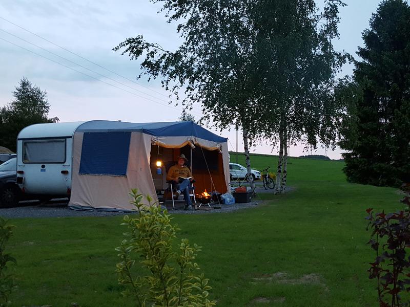 campen mit dem wohnwagen oder wohnmobil im bergischen land. Black Bedroom Furniture Sets. Home Design Ideas