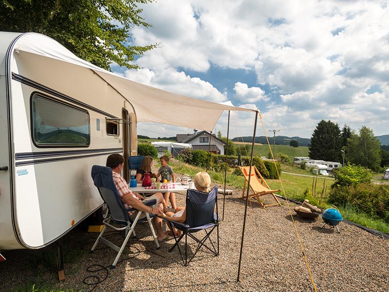 campen mit dem wohnwagen oder wohnmobil im bergischen land campingpark im bergischen land. Black Bedroom Furniture Sets. Home Design Ideas